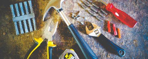 tool-set-on-plank-175039(1)